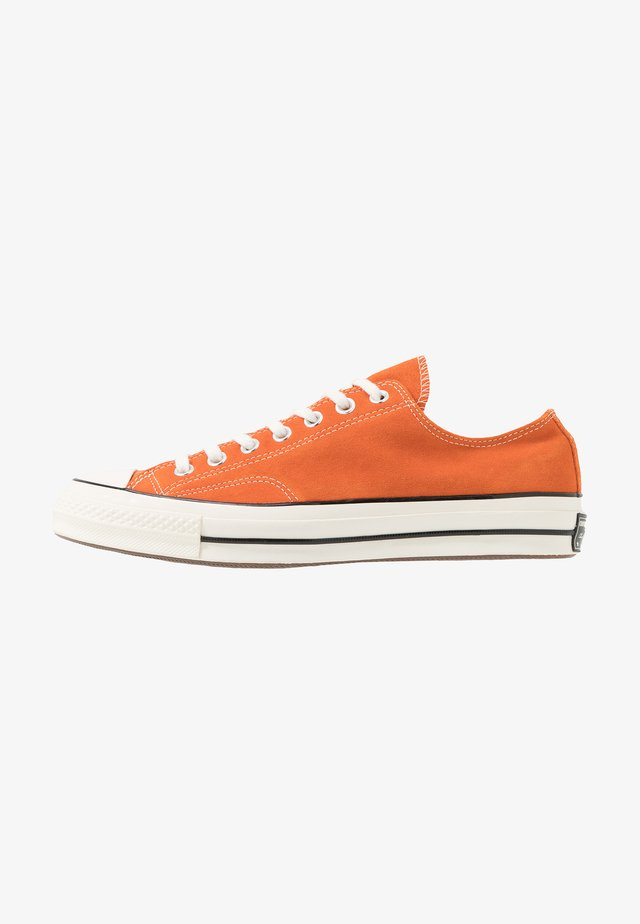 CHUCK 70 - Sneakers laag - campfire orange/black/egret