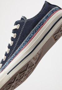 Converse - CHUCK TAYLOR ALL STAR - Sneakersy niskie - blue coast/egret - 5