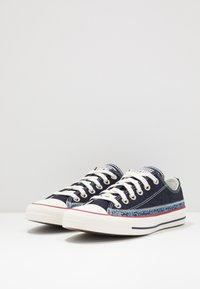 Converse - CHUCK TAYLOR ALL STAR - Sneakersy niskie - blue coast/egret - 2