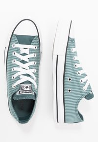 Converse - CLASSIC CHUCK  - Sneakersy niskie - mineral teal/faded spruce/white - 1