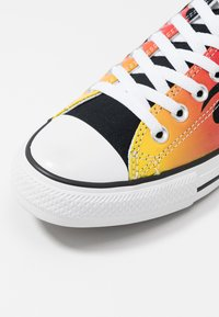 Converse - CHUCK TAYLOR ALL STAR  - Sneakers laag - black - 5