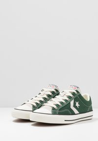 Converse - STAR PLAYER - Sneakersy niskie - green - 2