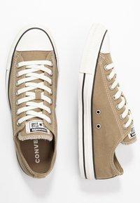 Converse - CHUCK TAYLOR ALL STAR - Sneakersy niskie - khaki/egret/black - 1