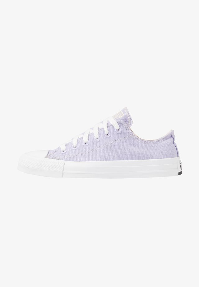 CHUCK TAYLOR ALL STAR RENEW - Trainers - moonstone violet/natural/white