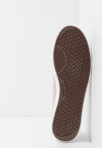 Converse - NET STAR - Sneakers laag - white/sunflower gold/egret - 8
