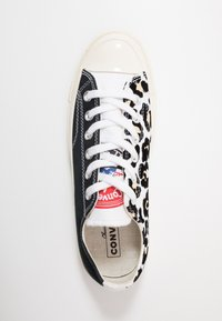 Converse - CHUCK TAYLOR ALL STAR 70 - Trainers - white/black/desert ore - 5