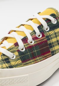 Converse - CHUCK TAYLOR ALL STAR 70 - Joggesko - amarillo/faded spruce/rose maroon - 5