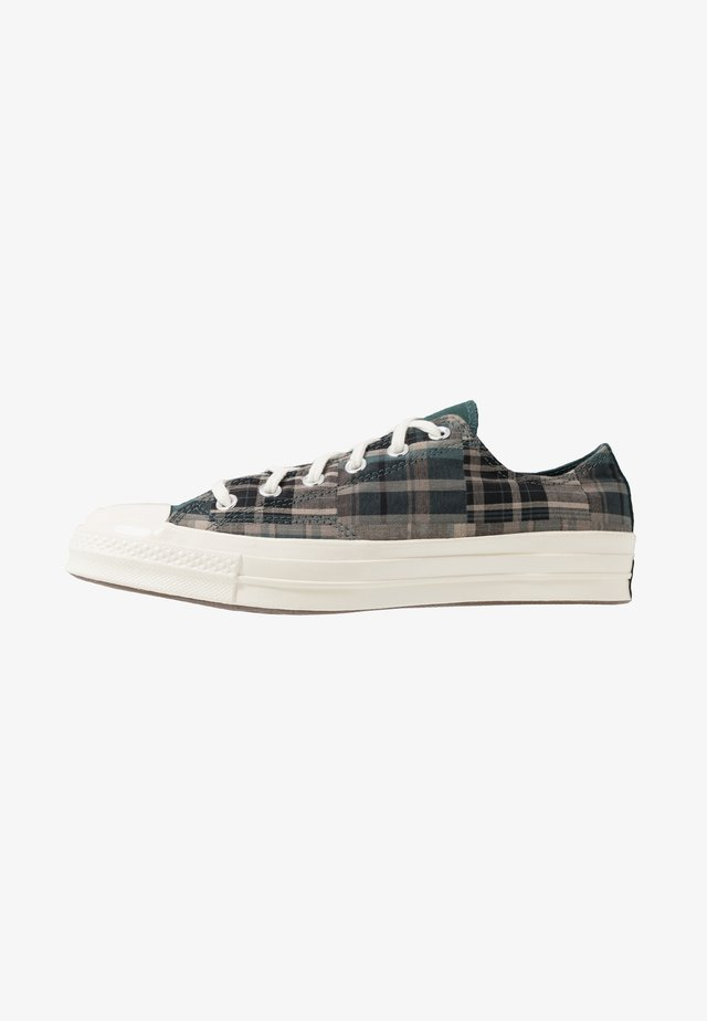 CHUCK TAYLOR ALL STAR - Sneakersy niskie - black/faded spruce/mason taupe