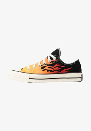 CHUCK TAYLOR ALL STAR 70 - Matalavartiset tennarit - black/enamel red/egret