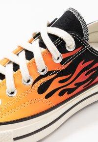 Converse - CHUCK TAYLOR ALL STAR 70 - Baskets basses - black/enamel red/egret - 5