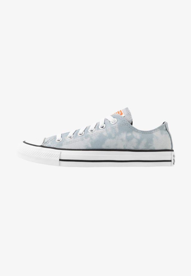 CHUCK TAYLOR ALL STAR - Zapatillas - white/black