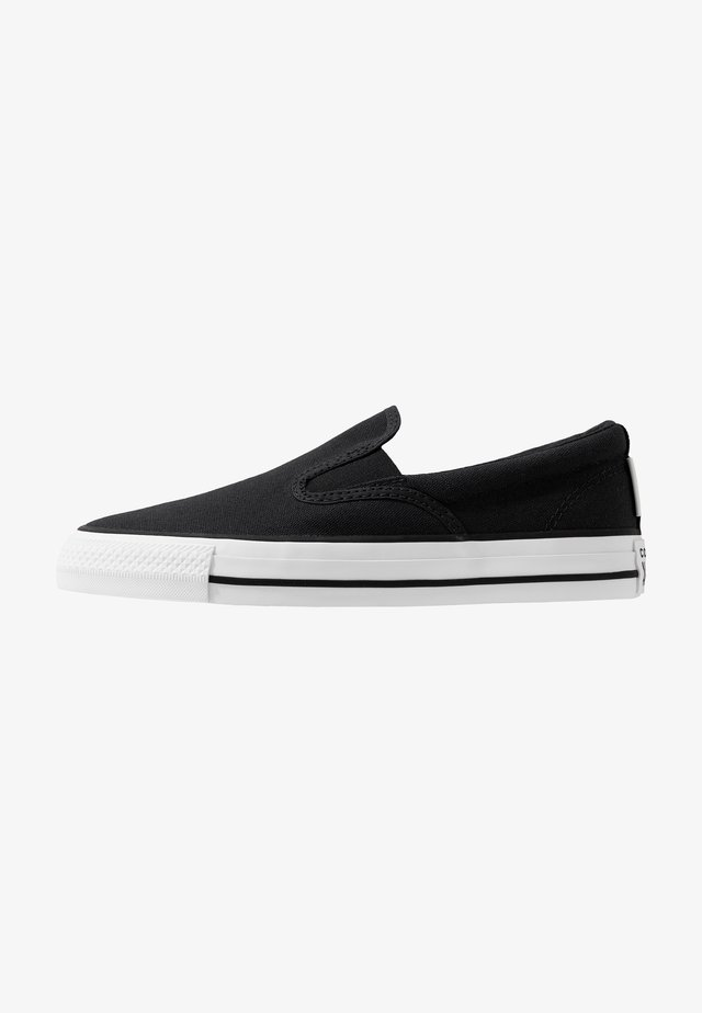 CLASSIC CHUCK - Instappers - black/white