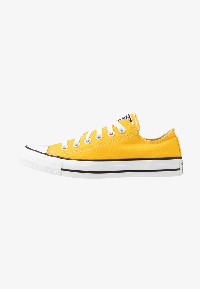 CHUCK TAYLOR ALL STAR - Matalavartiset tennarit - lemon chrome