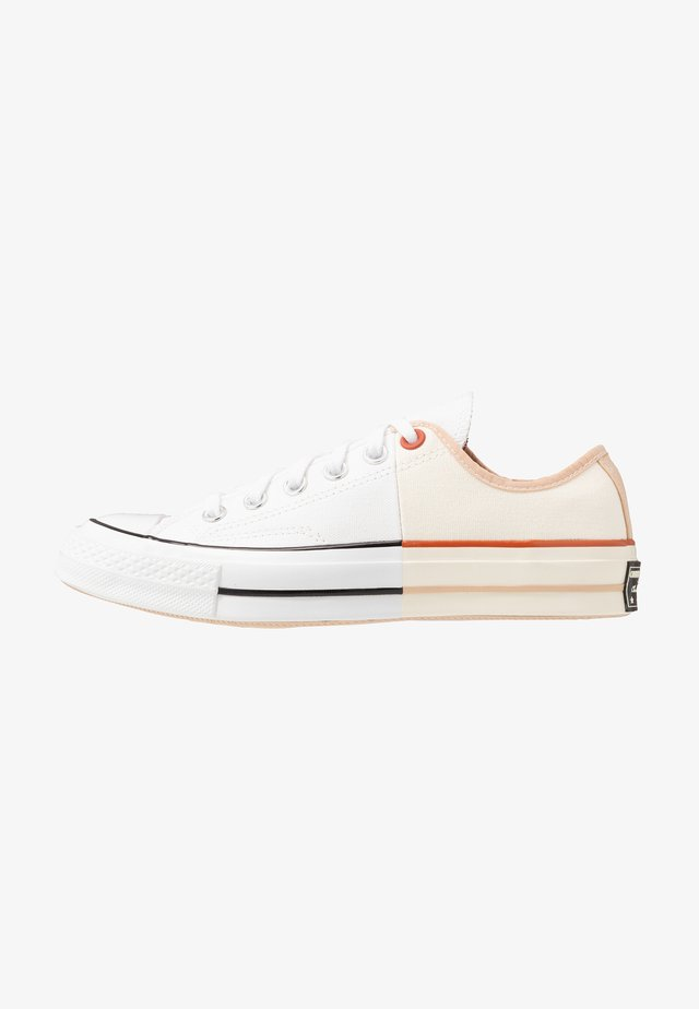 CHUCK TAYLOR ALL STAR 70 - Trainers - white/egret/shimmer