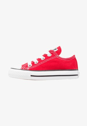 CHUCK TAYLOR ALL STAR CORE - Matalavartiset tennarit - red