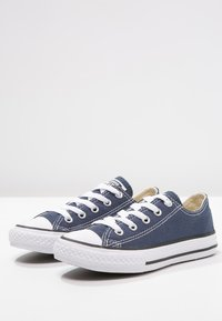 Converse - CHUCK TAYLOR ALL STAR CORE - Sneakersy niskie - blau - 2