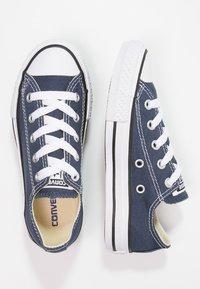 Converse - CHUCK TAYLOR ALL STAR CORE - Matalavartiset tennarit - blau - 0