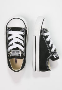 Converse - CHUCK TAYLOR ALL STAR CORE - Sneakers laag - black - 1