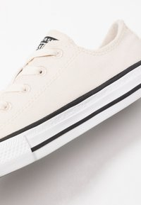 Converse - CHUCK TAYLOR ALL STAR RENEW - Tenisky - natural/white/black - 2