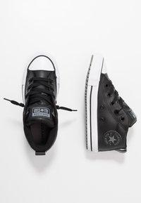 Converse - CHUCK TAYLOR ALL STAR STREET WARMTH HI - Sneakers alte - black/dark concrete/white - 0