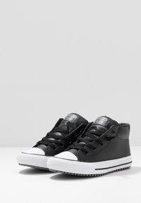 Converse - CHUCK TAYLOR ALL STAR STREET WARMTH HI - Sneakers alte - black/dark concrete/white - 3
