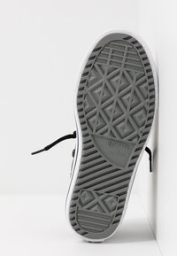 Converse - CHUCK TAYLOR ALL STAR STREET WARMTH HI - Sneakers alte - black/dark concrete/white - 5