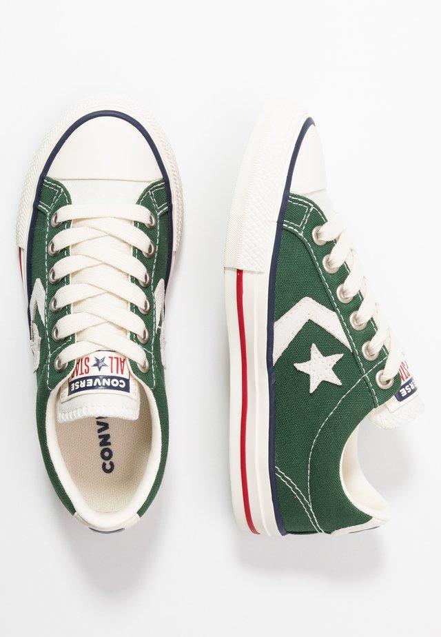 STAR PLAYER - Sneakers - fir/vaporous gray/egret