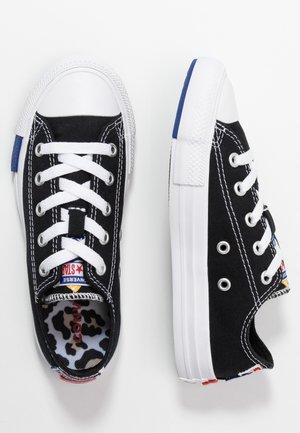 CHUCK TAYLOR ALL STAR LOGO PLAY - Sneaker low - black/rush blue/university red