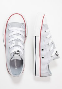 Converse - CHUCK TAYLOR ALL STAR PINSTRIPE - Sneakers basse - wolf grey/garnet/white - 0