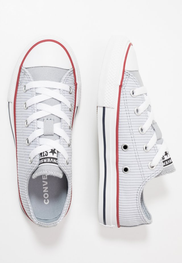 CHUCK TAYLOR ALL STAR PINSTRIPE - Trainers - wolf grey/garnet/white