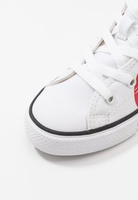 Converse - CHUCK TAYLOR ALL STAR - Sneakers hoog - white/university red - 2