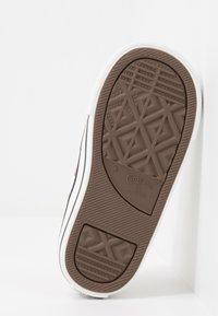 Converse - CHUCK TAYLOR ALL STAR - Zapatillas - white/garnet - 5