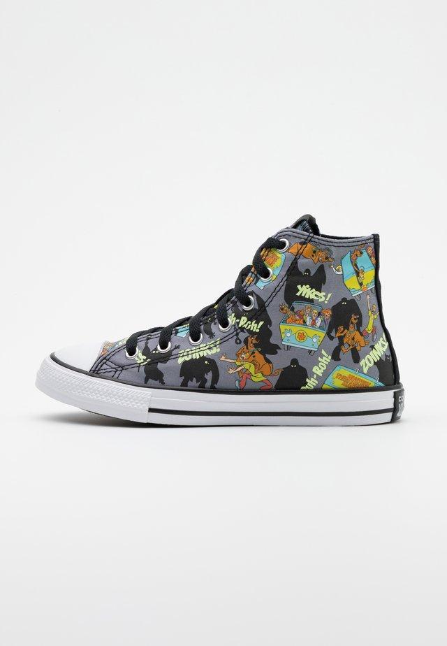 CHUCK TAYLOR SCOOBY MYSTERY MACHINE - Höga sneakers - almost black/white/multicolor