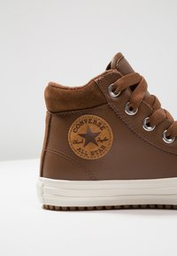 Converse - CHUCK TAYLOR ALL STAR - Sneakers alte - chestnut brown/burnt caramel - 2