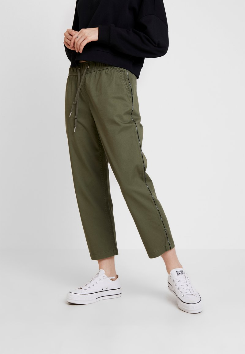 Converse - PIPING PULL ON PANT - Stoffhose - field surplus