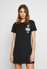 Converse - WOMENS LEFT CHEST ICON REMIX TEE DRESS - Jerseykjole - black - 2