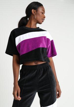 CROPPED BOXY TEE - Print T-shirt - black