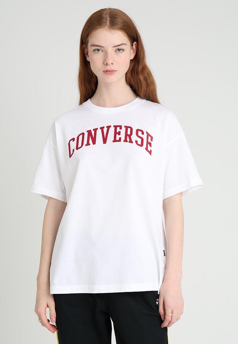Converse - ICON REMIX BOXY TEE - Triko spotiskem - white