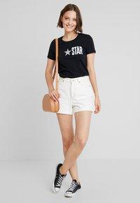 Converse - ALL STAR REMIX TEE - Camiseta estampada - black - 1