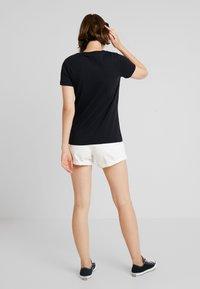 Converse - ALL STAR REMIX TEE - T-shirts med print - black - 2