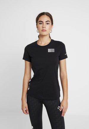 VOLTAGE TEE - Print T-shirt - black
