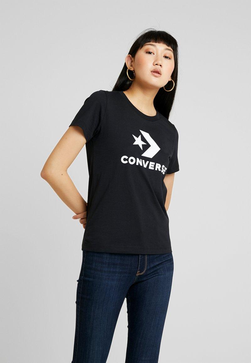 Converse - STAR CHEVRON TEE - Print T-shirt - black