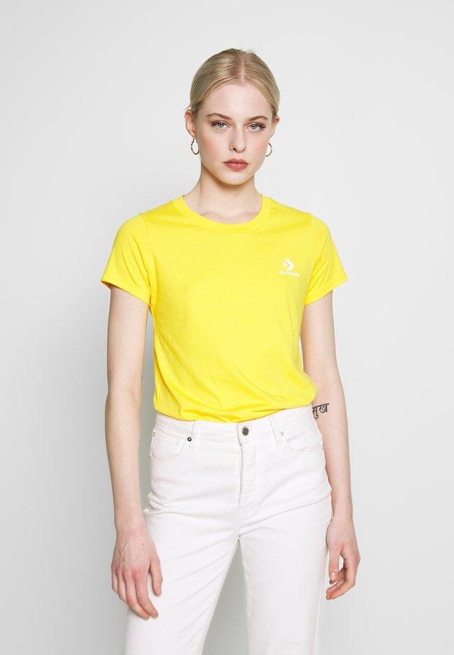 STACKED - Basic T-shirt - amarillo