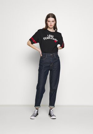WOMENS LOVE THE PROGRESS - T-shirts med print - converse black