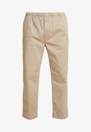EASY TWILL PANT - Chino kalhoty - beige