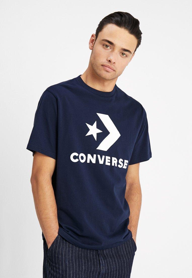Converse - STAR CHEVRON TEE - Camiseta estampada - obsidian