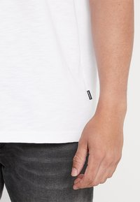 Converse - OVERSIZED RINGER TEE - T-shirt basique - white - 5
