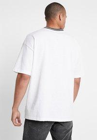 Converse - OVERSIZED RINGER TEE - T-shirt basique - white - 2