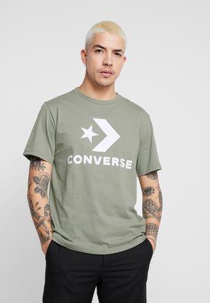 STAR CHEVRON TEE - T-shirt z nadrukiem - jade stone