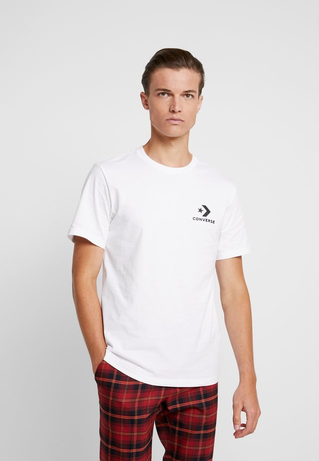 LEFT CHEST STAR CHEVRON TEE - Print T-shirt - white